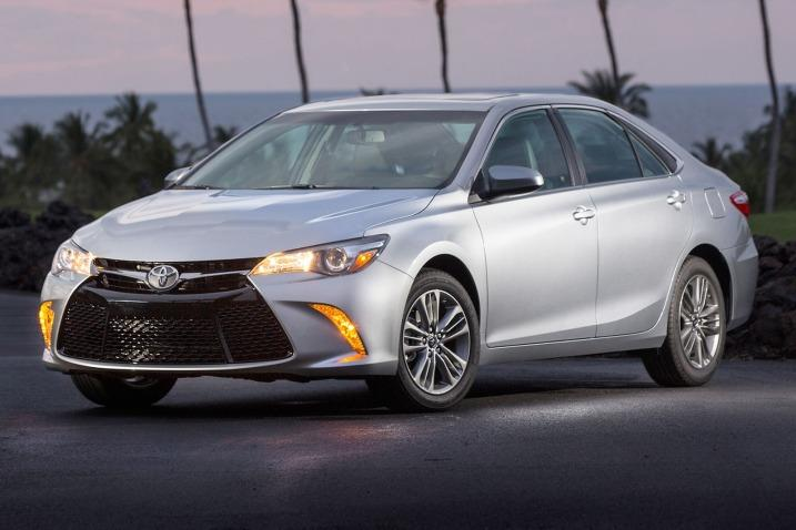 Toyotacamry Looking For A Safe Reliable Car Your Newly Licensed Driver To Drive Recent List From Edmunds Declared That Mid Size Sedan